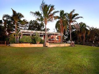 Amity Shaws Holiday House Amity Stradbroke Island