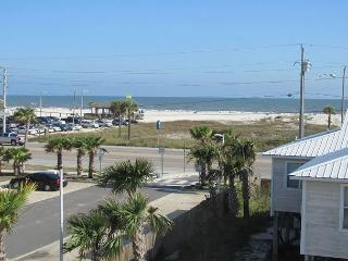 Spectacular house~Close to everything~Beach Access~Call or book online today!