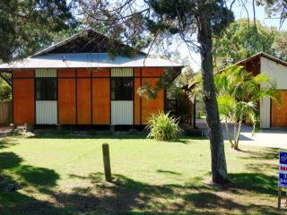 FlatOut on Flinders Holiday House Amity Stradbroke Island