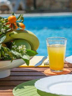Fruits, Drinks & Pool