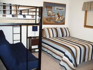 Immaculate accommodations, 1 mile to Silver Dollar, Branson West