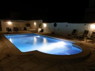 VILLA MARIA FREE WIFI FULL AIR CON SLEEPS 15+, L'Ametlla de Mar