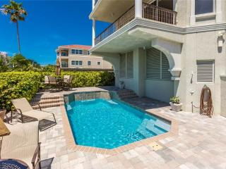 Surfside Manor, 3 Bedrooms, Gulf View, Pool, Elevator, Sleeps 8, Sarasota