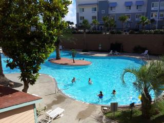 Awesome Luxury Resort Pool View, Beach Condo 131