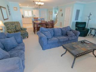 Book now for Summer- Reduced Rates Prime Dates Available-Pool-Quiet-2 night min, Ocean City