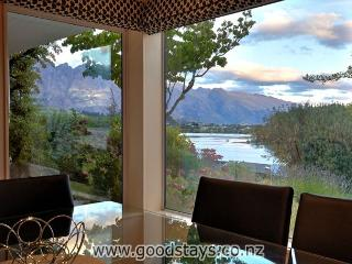 The Lakes Edge Central Queenstown, Wifi & Stunning Views