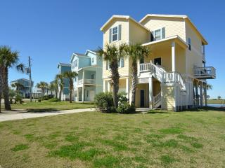 Right by the beach crossover! Pointe West 3BR/3BA 2nd Row Luxury Beach Cottage, Galveston