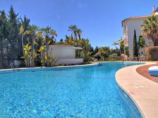 Beautiful 3 bedroom by Puerto Banus with pool