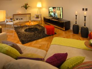 Massive 3 bedroom 2.5 bath Great Palermo location!, Buenos Aires