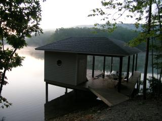 "Smith Mountain Lake  "" Witcher Way lake House "", Huddleston"