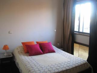 doble room  with private bath in Espinho 1km beach