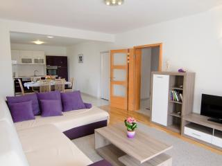 Luxury Apartment Martina****