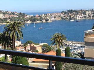 Apartment with sea view, parking, pool and balcony, Villefranche-sur-Mer