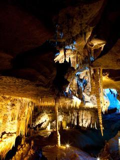 Et si l'on allait se réfugier dans une grotte ?