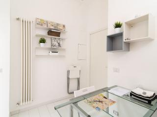 Apartment close to Colosseo 3, Roma