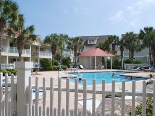 The Charm of Seagrove - Beautiful 2 Bedroom 2 Bath, Santa Rosa Beach