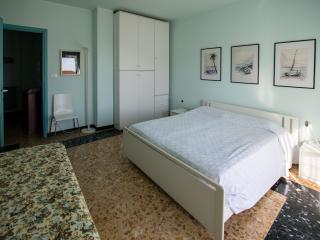 Vensìalmare is a wide flat very close to seaside, San Bartolomeo al Mare
