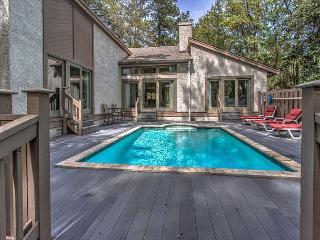 48 Kingston Road - Cute & Renovated 3 Bedroom Home w/ Pool - Lagoon View