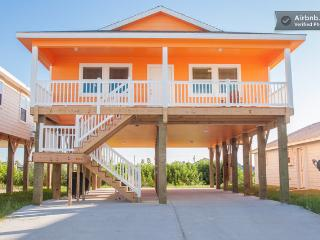 Pet friendly, parking, pool, bbq, Port Aransas