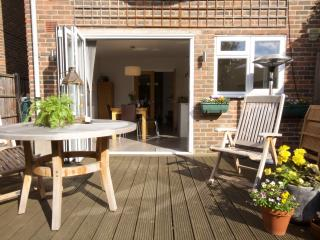 3 bed townhouse with garden & parking for 3 cars, Twickenham