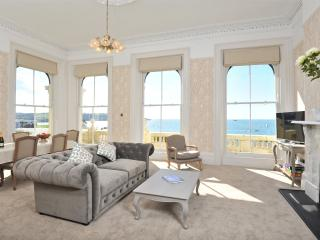 Lady Astor  Apartment (4) - Luxurious apartment with balcony and unrivalled sout