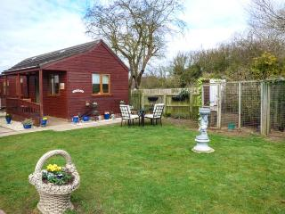 THE YORKSHIREMAN, close to the coast, lawned garden, WiFi, Patrington Haven, Ref 933547