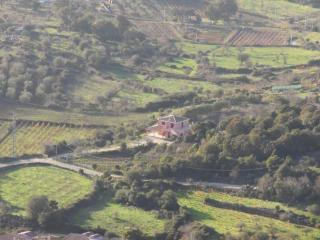 Jlune house. Perfect for families, groups, climbers, bikers (iun P2041)