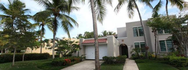 Luxurious Community with Private Beach, Dorado