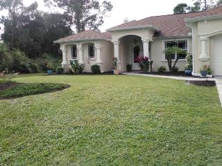 Mini Mansion/Home Away from Home, North Port