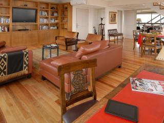 Two-story Penthouse Amazing City Views 18th floor!, Buenos Aires