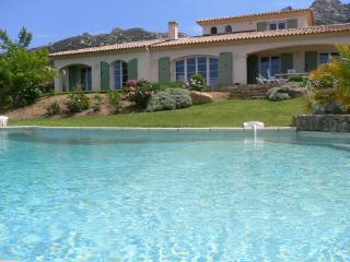 Charming villa opposite the Gulf of Calvi, Lumio