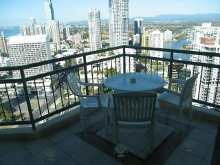Surfers Paradise, Crown Towers Resort, 2 Bedroom Plus Family Apt