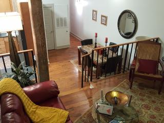 Katrina-French Quarter-2 bed/2 bath W/Pool & Gym, New Orleans