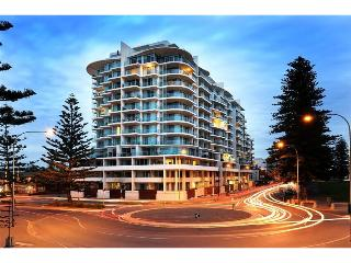 Premier beachside accommodation, Glenelg