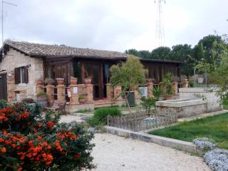 4 Bedroom Sicilian Villa with private pool, Syracuse