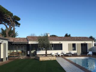 Belle maison d'architecte avec piscine chauffée, Le Bois-Plage-en-Re