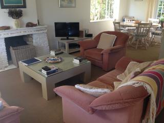 Family home 5 min walk to a stunning beach, Plettenberg Bay