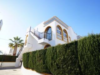 267 - Bright apartment with private sun terrace, La Mata