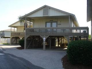 Cottage with lots of privacy, 2 bedrooms 1 bath, Gulf Shores