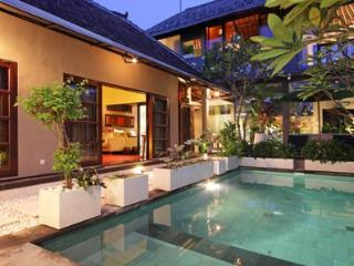 Bathhouse Exec Residence Formerly Cicada Executive, Seminyak