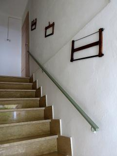 La scala che porta alla camera da letto