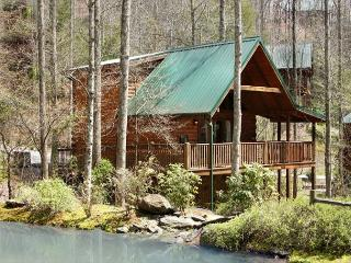 Southern Serenity   Pool Access Hot Tub Near Pond Pets Wii Free Nights, Gatlinburg