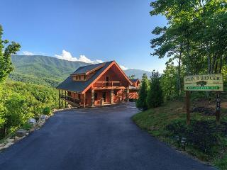 Cloud Dancer II   Stunning Views Theater Jukebox Hot Tub   Free Nights, Gatlinburg