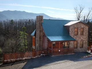 Smoky Ridge View, 3 Bedrooms, Views, Gaming, Hot Tub, Grill, Sleeps 10, Gatlinburg