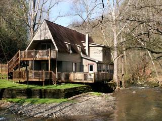 Brook Trout Chalet   On The River  Trout Fishing  Hot Tub  Free Nights, Gatlinburg