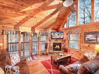 Hidden Haven   Hot Tub  Pool Access  Fireplace  Pool Table Free Nights, Gatlinburg