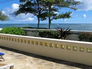 """Heavenly Home"", Oceanfront, Sunrise, Steps to Beach, Bike the Coastal Path, Kapaa"