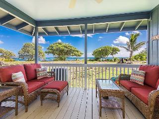 Hale Makai Beachfront Home, AC, Newly Remodeled, Oceanfront on Anahola Bay