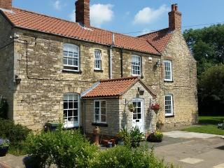 Peaceful luxury rooms, in stunning old Farmhouse, Lincoln