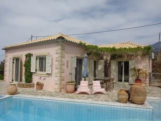 Secluded idyllic single storey house with own pool, Stoupa